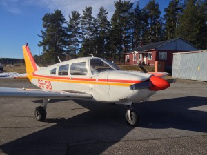 Klubbens motorflygplan, Cherokee Archer PA-28 SE-GIO
